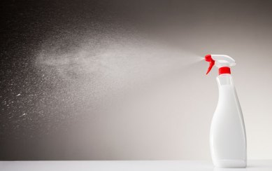 liquid cleaner spray products lung danger
