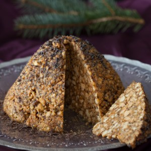"Russian Monday: ""Muraveynik"" - Anthill Cake with Caramel & Walnuts"