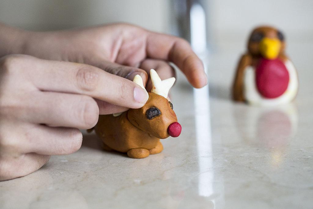 heroes_christmas_2016_reindeer_robin_fun-3