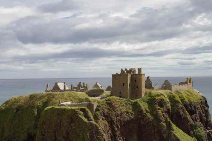 Dunnottar Castle, Aberdeenshire, Scotland Travel Guide