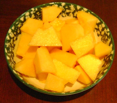 Bowl of cantaloupe chunks