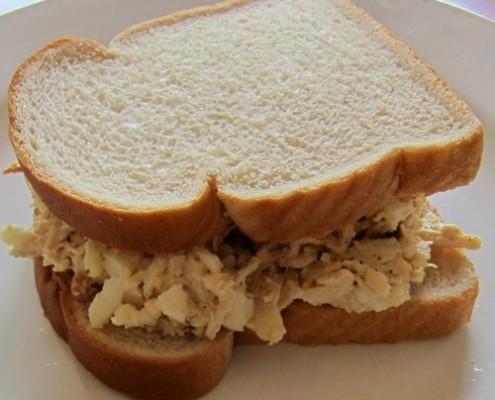 how to make chicken salad sandwich