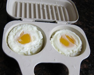 How To Cook Eggs In A Microwave Egg Poacher Melanie Cooks
