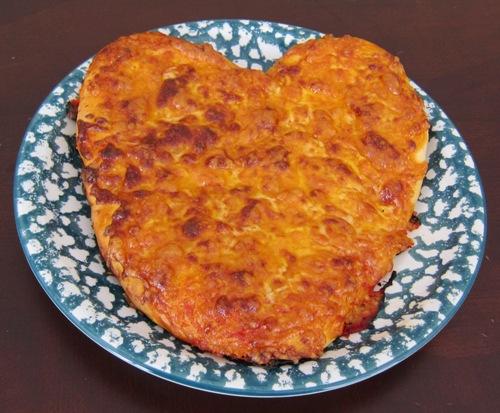 heart shape pizza picture