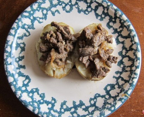 microwave baked potato with meat