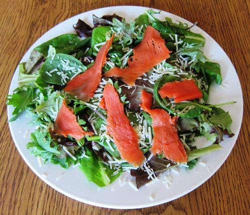 green salad with smoked salmon