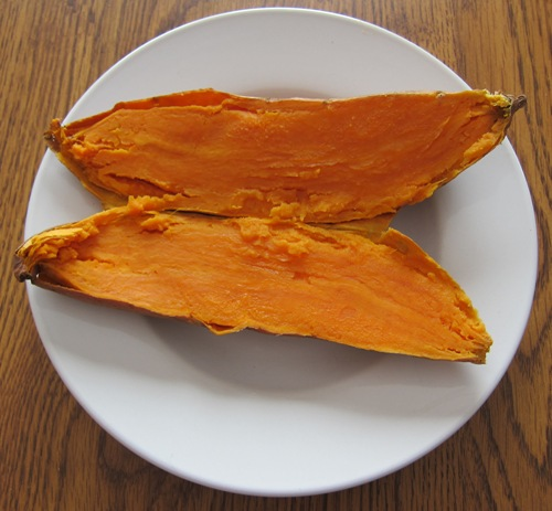 how to cook sweet potatoes in a microwave