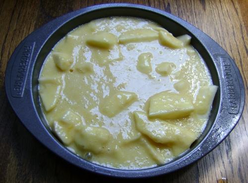 sharlotka apple cake before baking