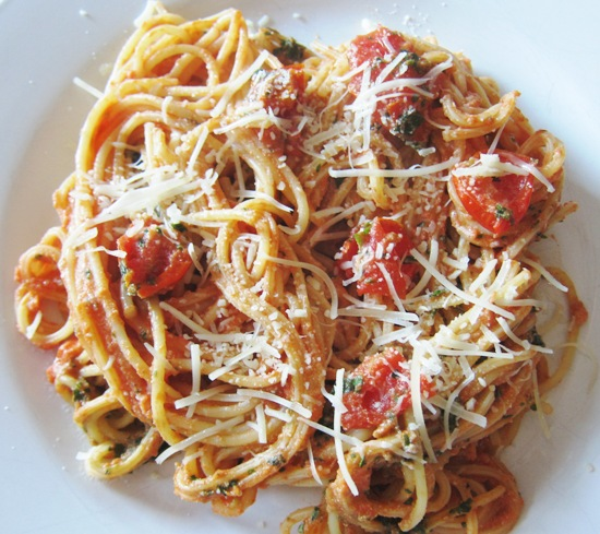 How To Make Pasta With Fresh Tomatoes