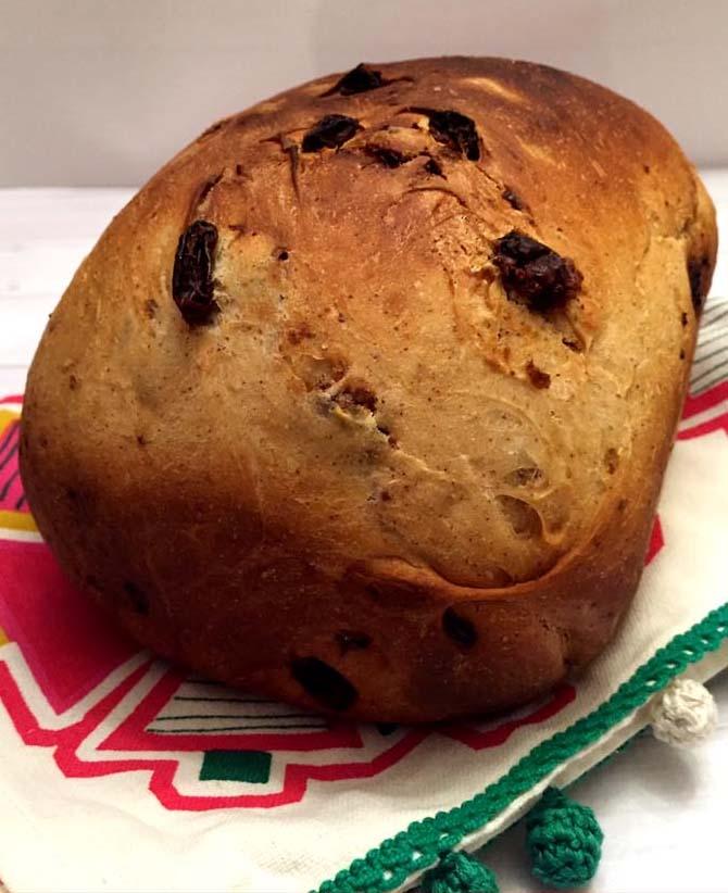 Cinnamon Raisin Bread Machine Bread Recipe
