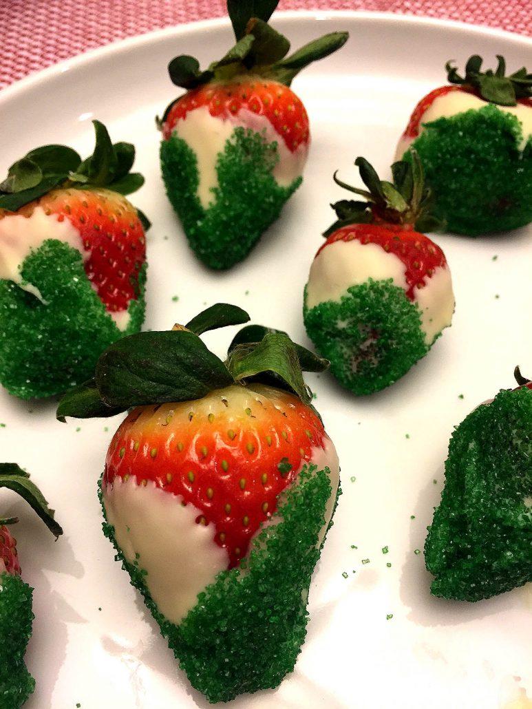 Christmas Chocolate Covered Strawberries Recipe