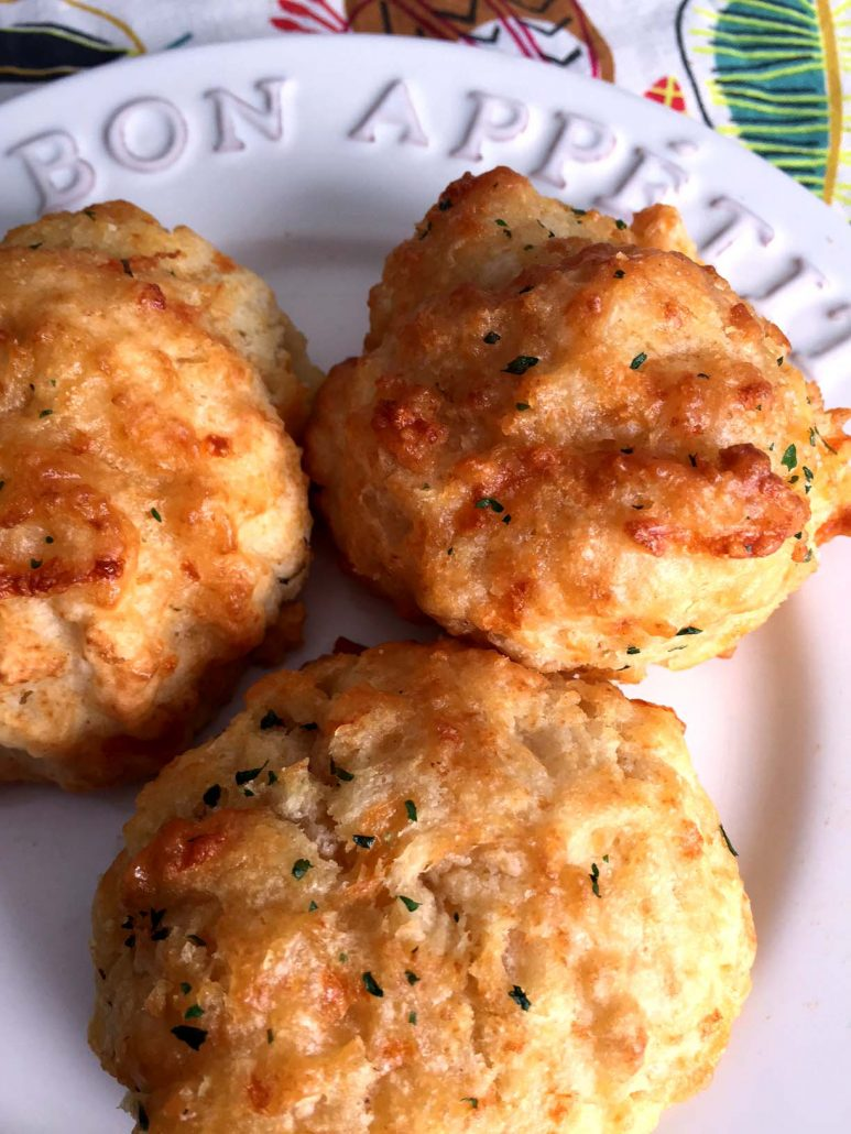How To Make Red Lobster Cheddar Bay Cheese Biscuits