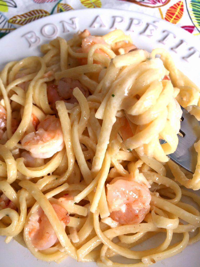Easy Creamy Seafood Linguine