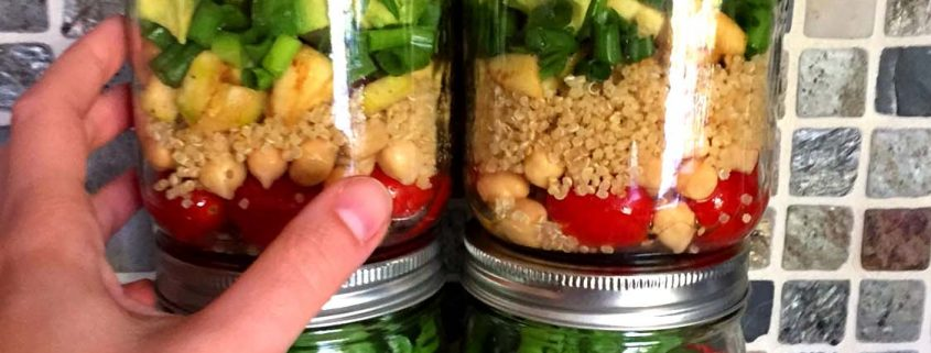 Quinoa Chickpea Mason Jar Salad Recipe