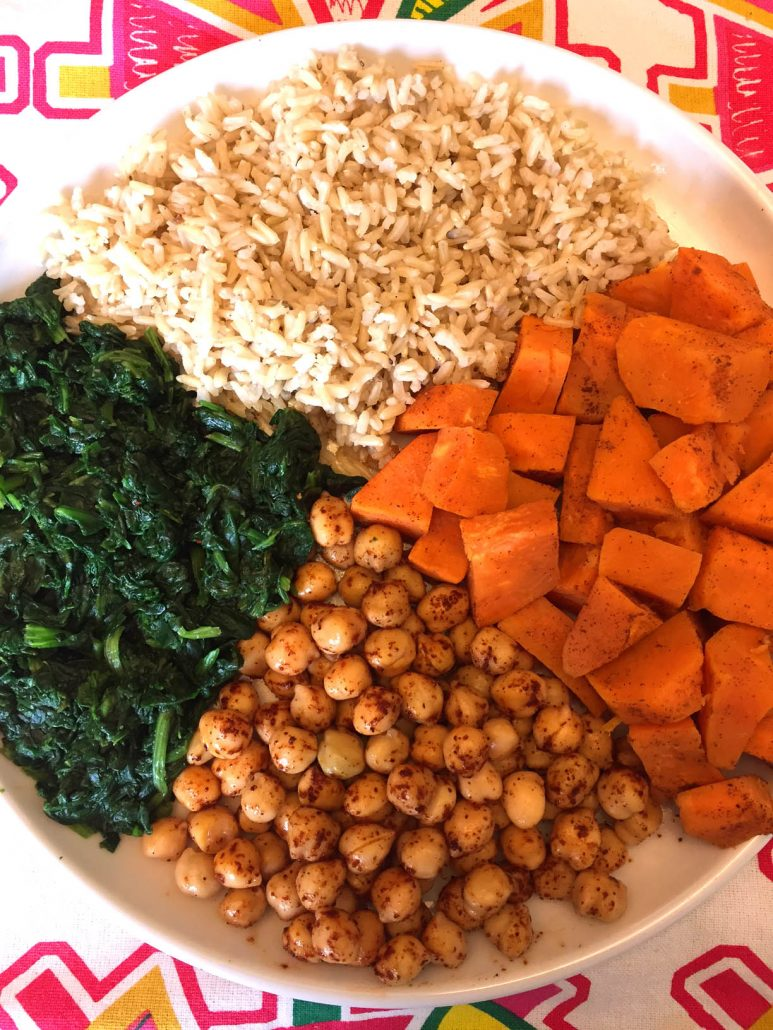 Vegan Buddah Bowl With Chickpeas & Sweet Potatoes & Spinach & Brown Rice