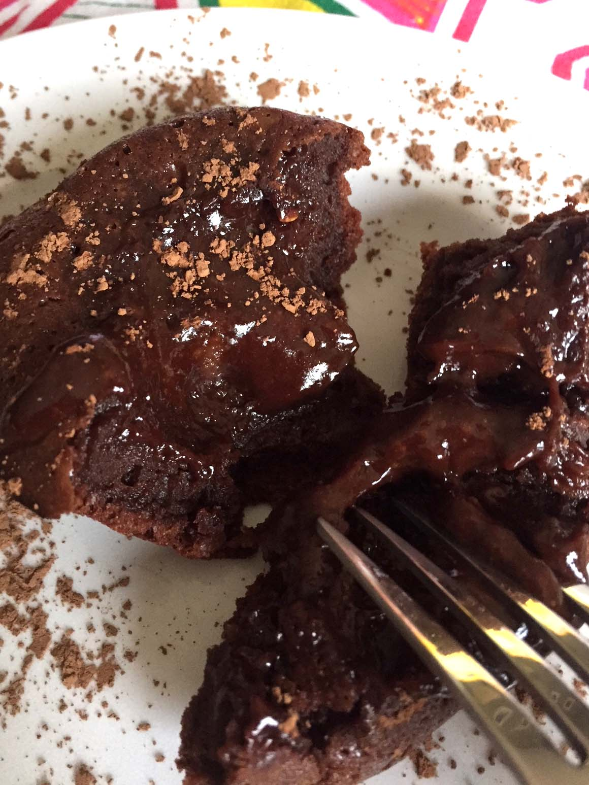 Easy Molten Chocolate Lava Cakes Made In A Muffin Tin ...