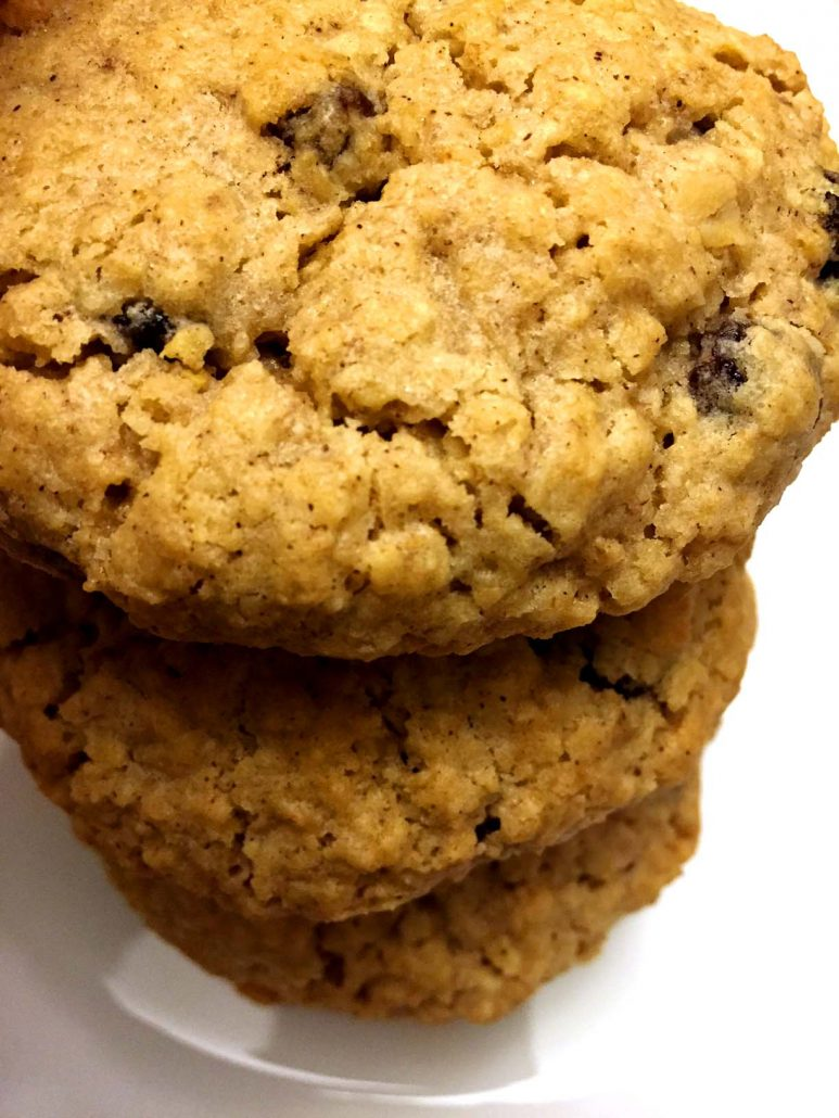 Easy Recipe For Soft Oatmeal Raisin Cookies
