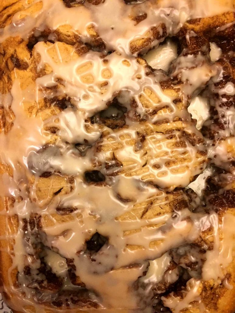 Cinnamon Roll Cake Glaze