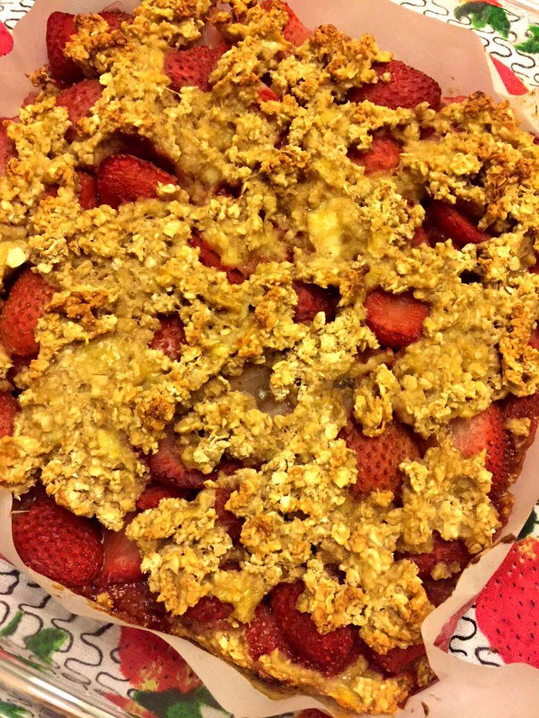 Banana Strawberry Baked Oatmeal