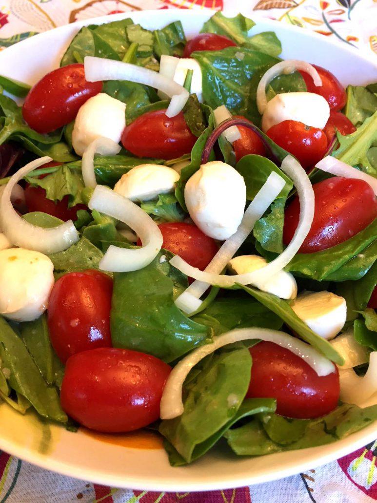Easy Fresh Tomato Mozzarella Salad Recipe