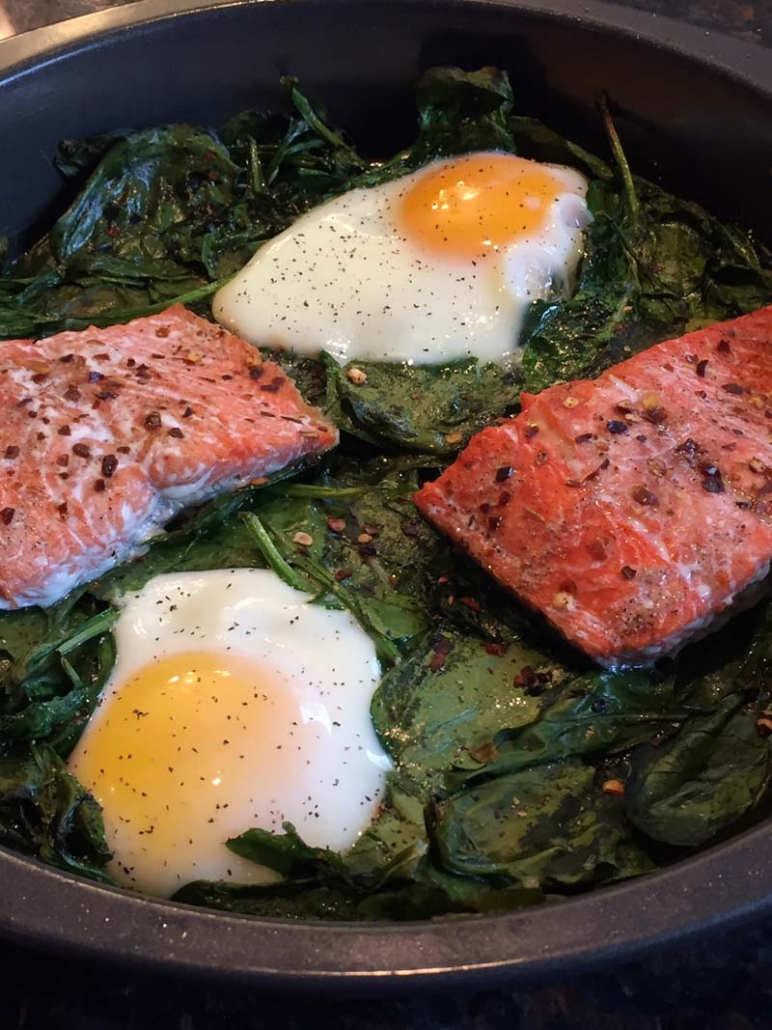 baked spinach with salmon and eggs
