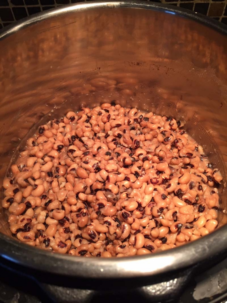 how to cook black eyed peas in the Instant Pot