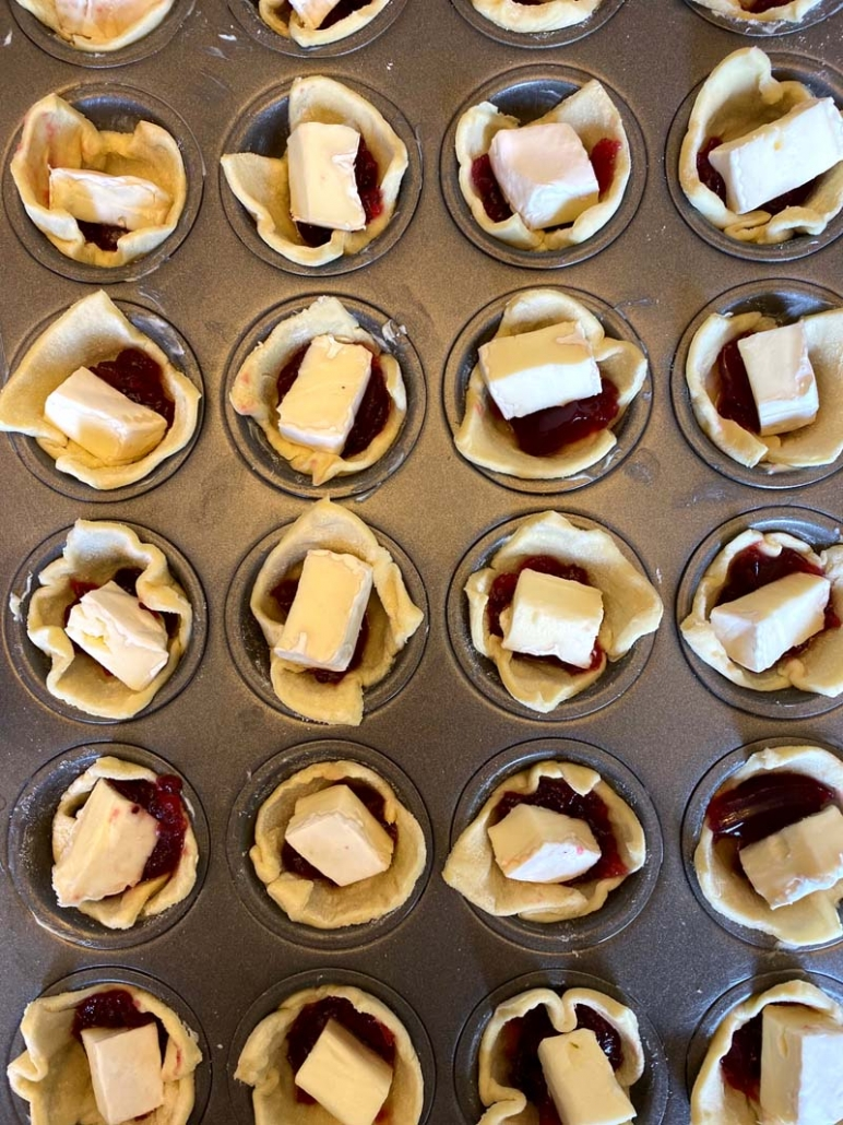 brie cheese puff pastry cups