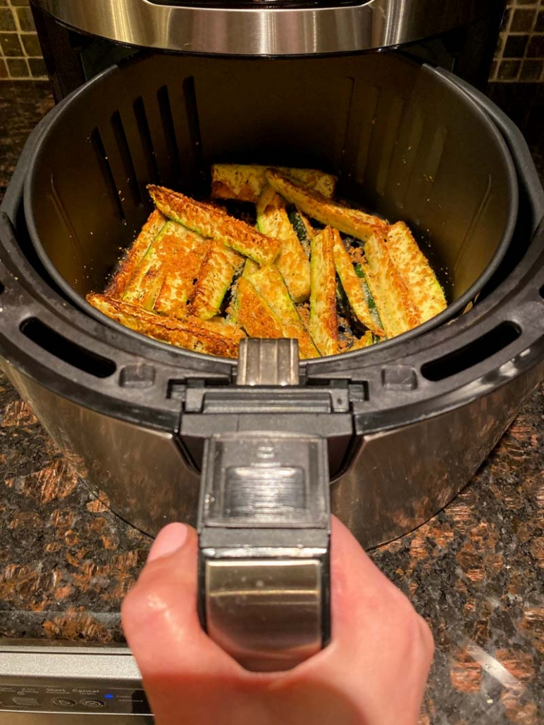 how to make air fryer zucchini fries