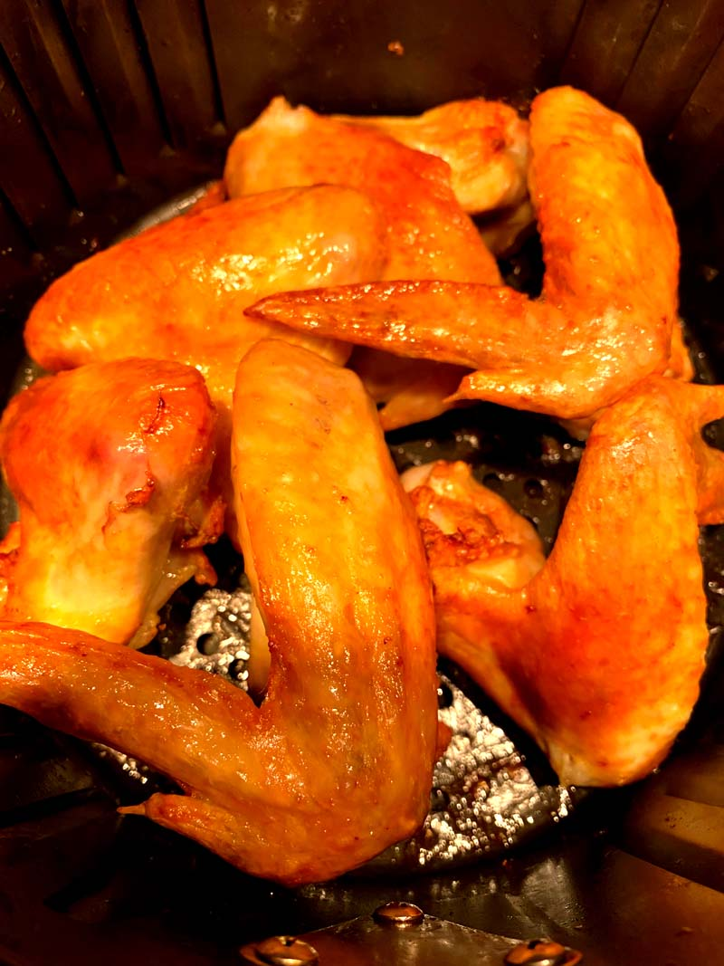 Cooked wings in the air fryer