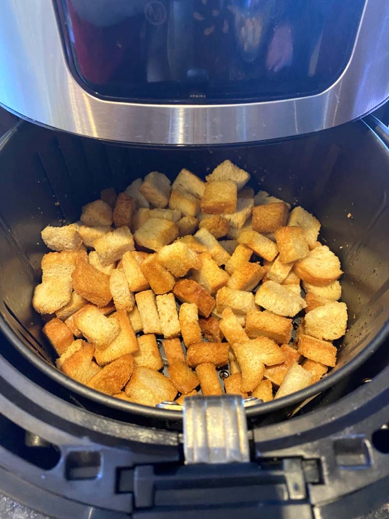 cooking croutons in the air fryer