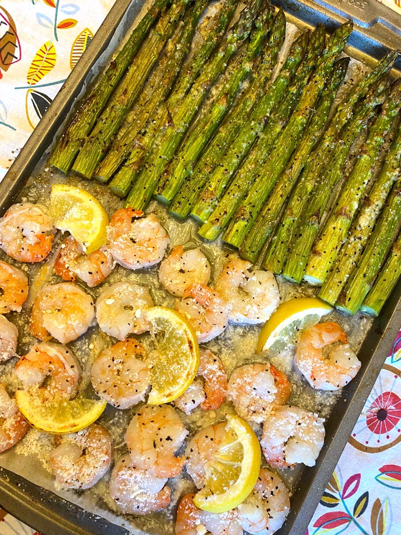 Baked shrimp and asparagus ready to serve