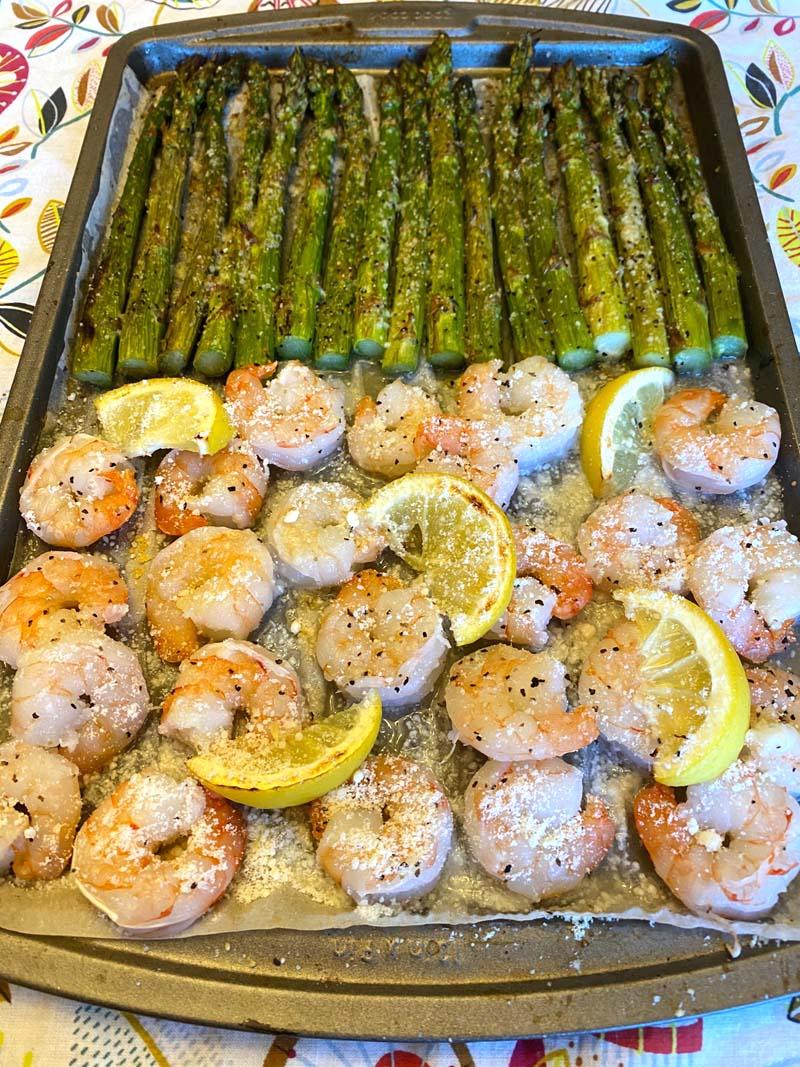 Slices of lemon on the shrimp