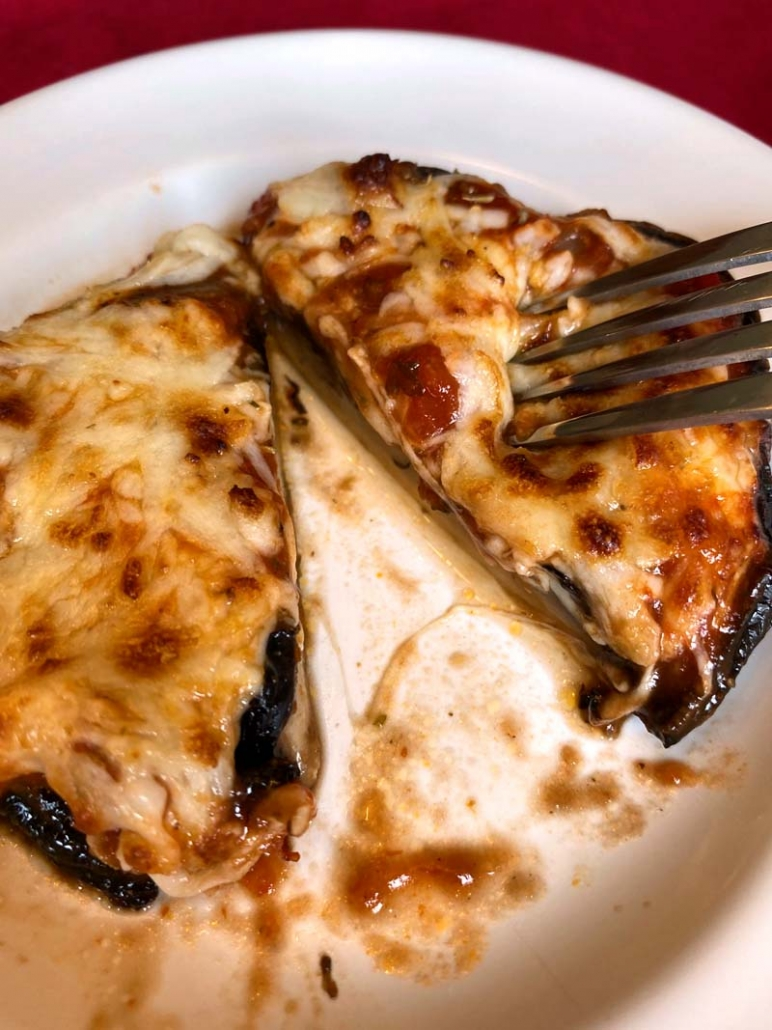 slice air fryer portobella pizza