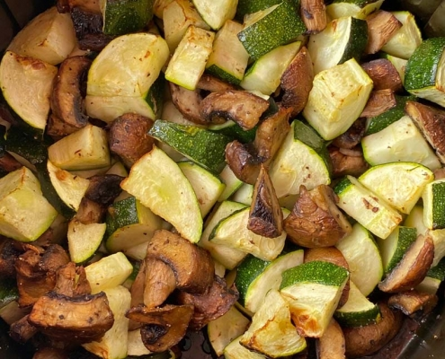 Air Fryer Zucchini And Mushrooms