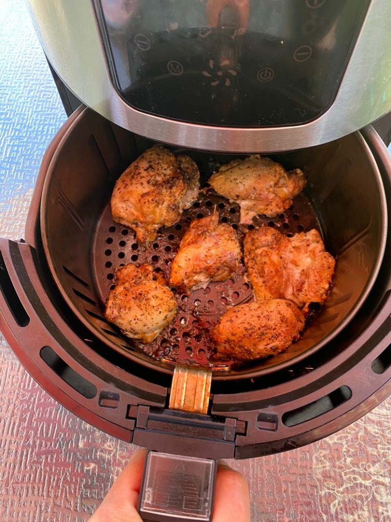 air fryer chicken thighs with Italian seasoning