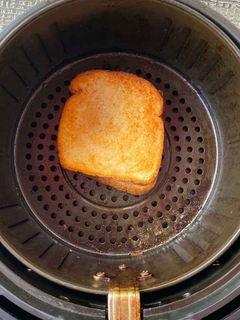 cooking grilled cheese in the air fryer