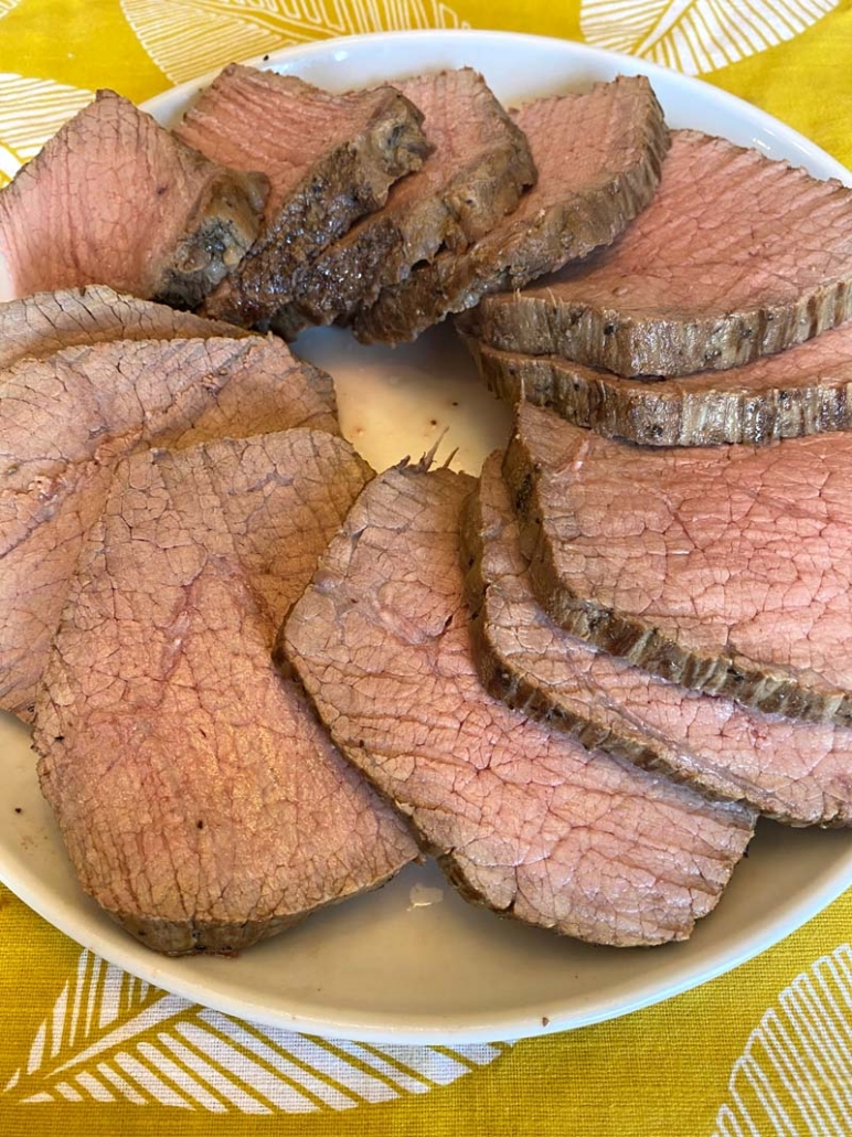 Arranging Eye of Round Beef Roast in a circle on a plate