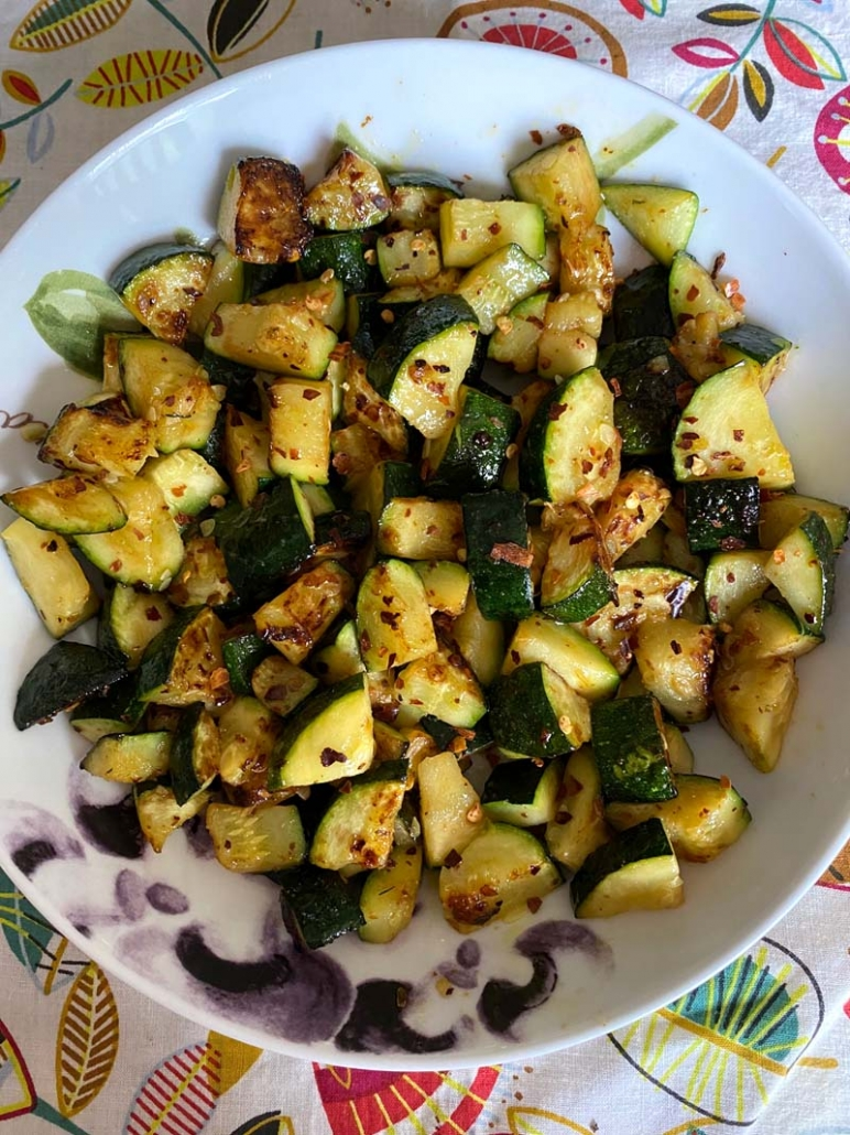 healthy sauteed zucchini with red crushed peppers