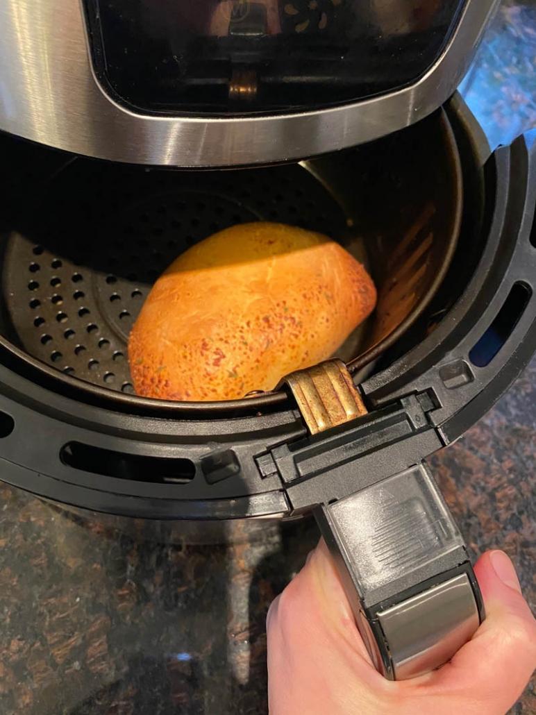 air fryer frozen cheese calzone