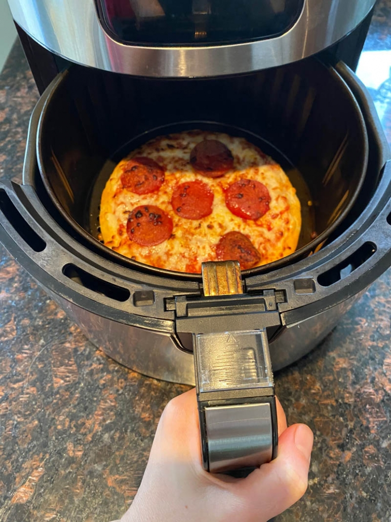 cooking frozen pizza in the air fryer