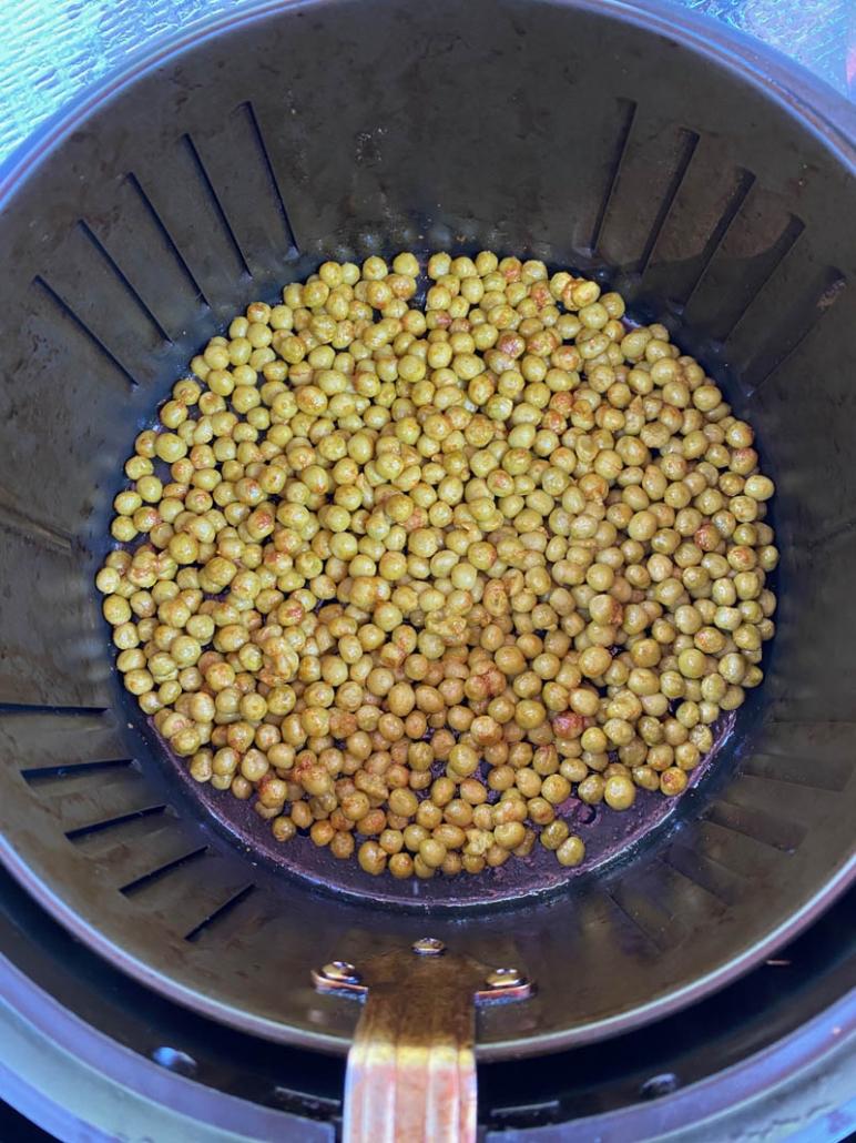 roasted crunchy green peas