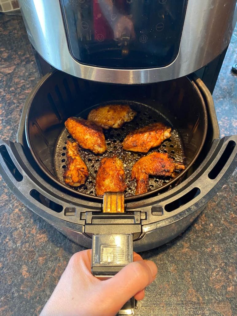 Seasoned Frozen Chicken Wings In The Air Fryer