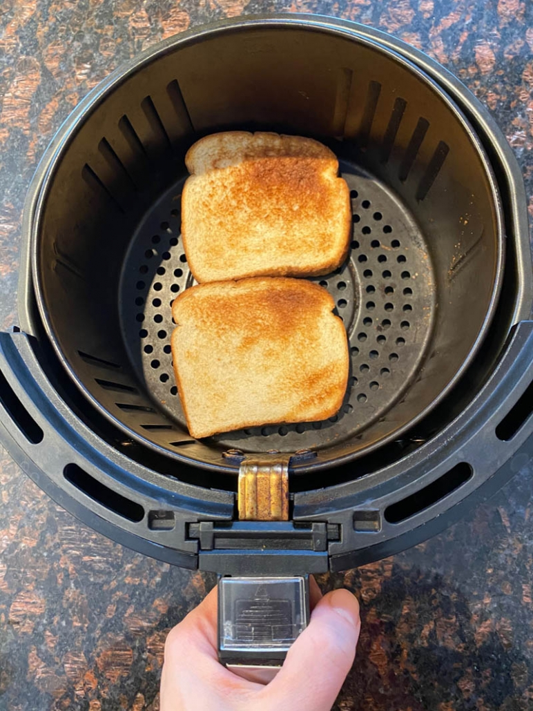 toasted bread in air fryer