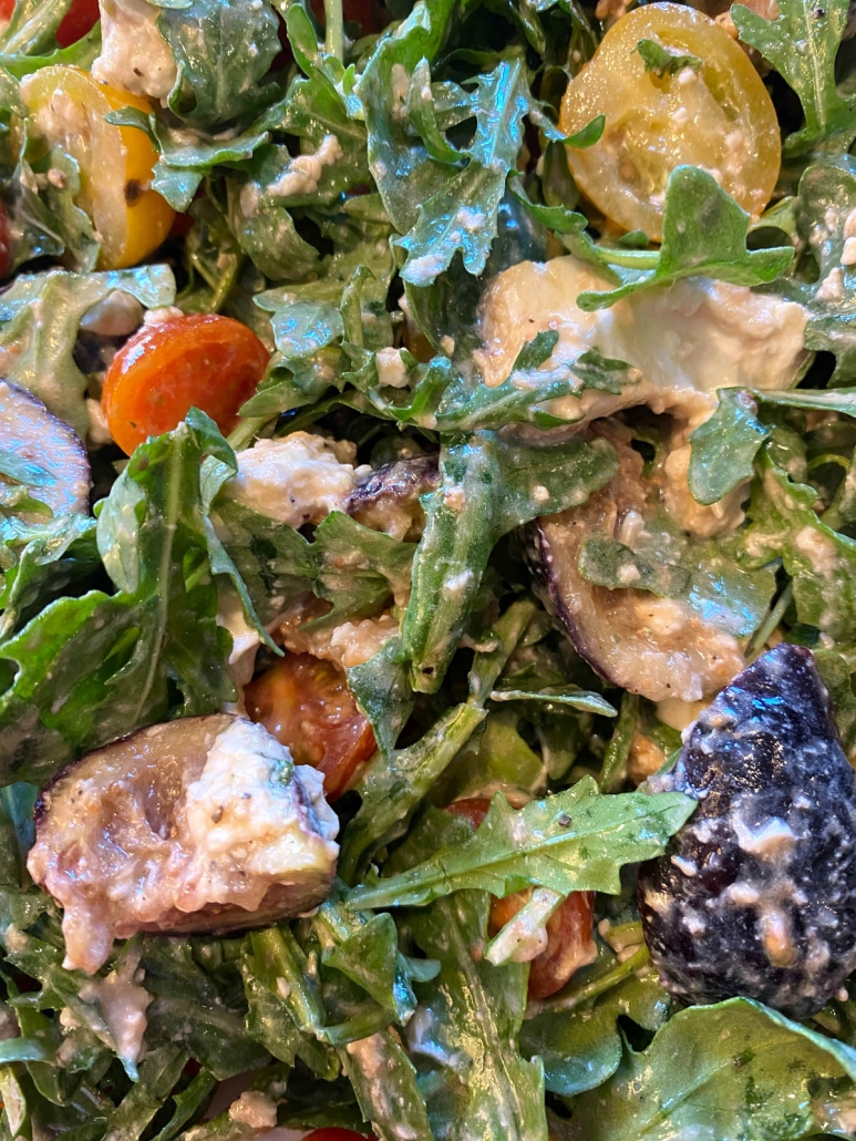 arugula and fig salad with balsamic dressing