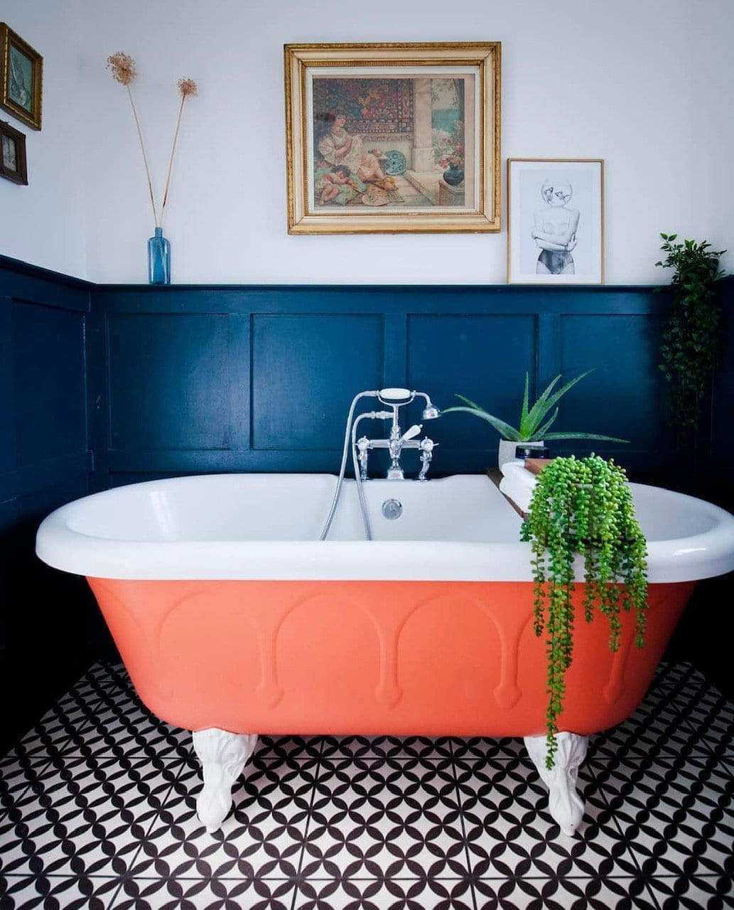 orange bath, bathroom, monochrome tiles, dark panelling