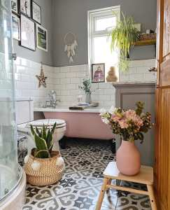 bathroom, bath, pink bath, grey, tiles floors