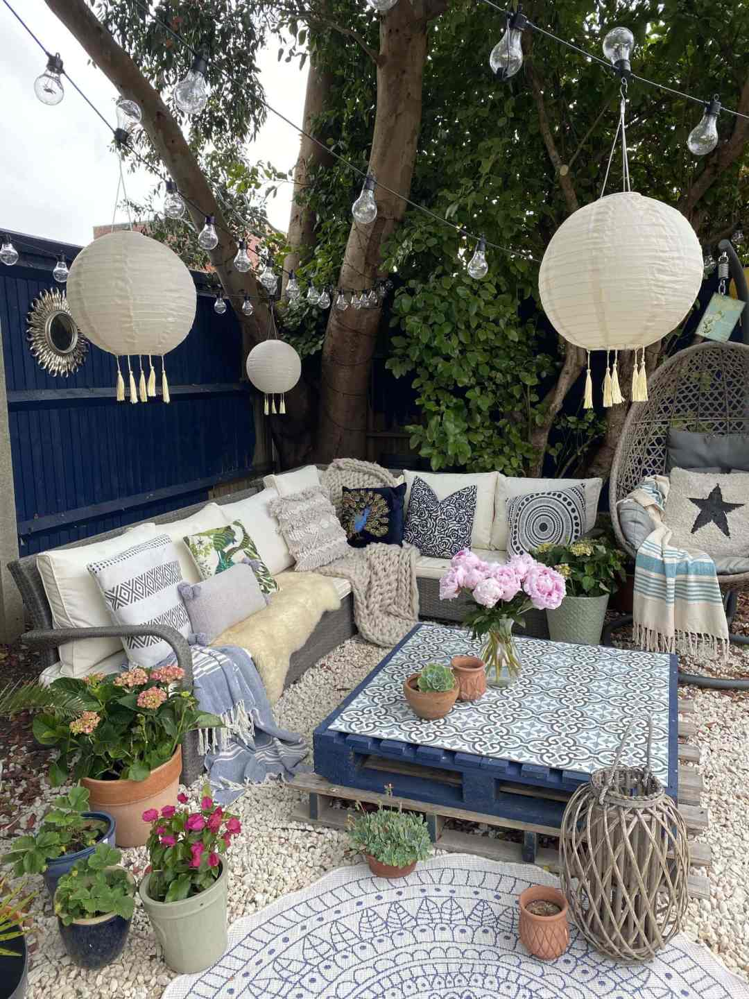 The Best Outdoor Textiles to Cosy Up Your Garden Space
