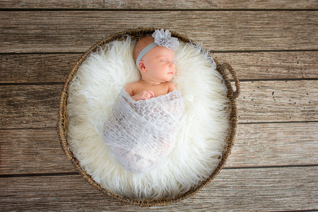 Melanie Kane Photography -- Chicagoland lifestyle photographer -- Newborn-15 (2)