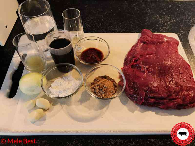 Bavette-Spieß mit javanischer Sojasauce von Mele Best. Dieser Bavette-Spieß mit javanischer Sojasauce wird auf dem Grill gegrillt.