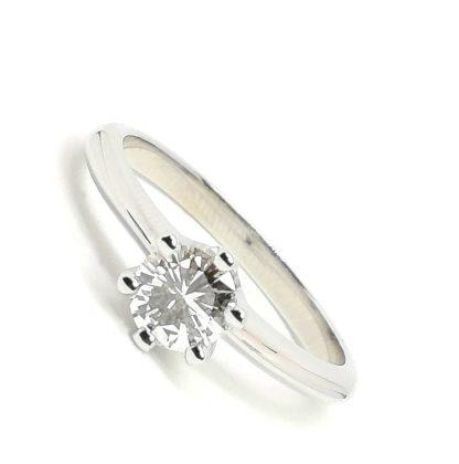 Anello Solitario in oro bianco e diamanti